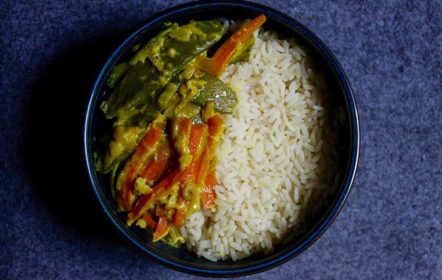 Image légumes croquants sauce coco riz